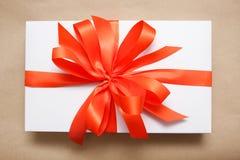 κορδέλλα δώρων κιβωτίων Στοκ φωτογραφία με δικαίωμα ελεύθερης χρήσης