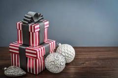 κορδέλλες δώρων κιβωτίω&nu Στοκ φωτογραφίες με δικαίωμα ελεύθερης χρήσης