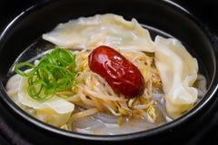 Κορεατική σούπα με τη Apple Στοκ Φωτογραφίες