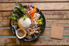 Κορεατικό χοιρινό κρέας ύφους που τηγανίζεται με το ρύζι Στοκ Εικόνες