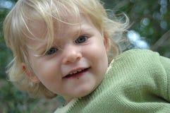 κοριτσάκι ευτυχές Στοκ εικόνα με δικαίωμα ελεύθερης χρήσης
