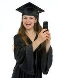 κοριτσιών τηλεφωνική φωτογραφία παραγωγής βαθμολόγησης ευτυχής μόνη Στοκ φωτογραφίες με δικαίωμα ελεύθερης χρήσης