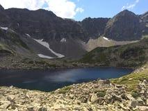 κορσικανικά βουνά βουνών λιμνών λάκκας creno de Γαλλία της Κορσικής μεγάλα βουνά βουνών τοπίων Στοκ φωτογραφία με δικαίωμα ελεύθερης χρήσης