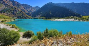 κορσικανικά βουνά βουνών λιμνών λάκκας creno de Γαλλία της Κορσικής Στοκ Εικόνες