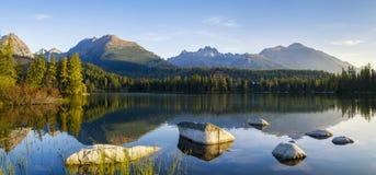 κορσικανικά βουνά βουνών λιμνών λάκκας creno de Γαλλία της Κορσικής Στοκ φωτογραφίες με δικαίωμα ελεύθερης χρήσης