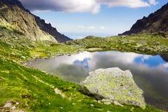 κορσικανικά βουνά βουνών λιμνών λάκκας creno de Γαλλία της Κορσικής Στοκ εικόνες με δικαίωμα ελεύθερης χρήσης