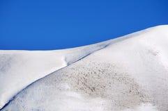 Κορυφή βουνών με το χιόνι Στοκ Εικόνες