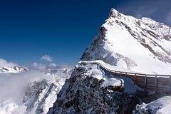 Κορυφή βουνών στις Άλπεις Στοκ Εικόνες