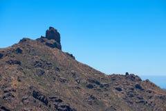 Κορυφή ενός δύσκολου βουνού στοκ εικόνα