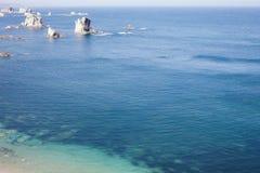Κορυφή κάτω από την άποψη στο ωκεάνιο νερό, κανένας άνθρωπος Στοκ Φωτογραφία