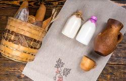 Κορυφή κάτω από την άποψη του ψωμιού και του γάλακτος Στοκ εικόνα με δικαίωμα ελεύθερης χρήσης