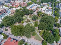 Κορυφή κάτω από τον κηφήνα ακόμα του πάρκου στην πόλη Raleigh, NC στοκ φωτογραφία