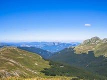 Κορυφή του βουνού το καλοκαίρι Στοκ φωτογραφία με δικαίωμα ελεύθερης χρήσης