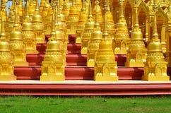 Κορυφή 500 Saraburi Ταϊλάνδη παγοδών ναών Στοκ φωτογραφίες με δικαίωμα ελεύθερης χρήσης