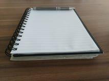 κορυφαία όψη διαφάνειας πεννών σημειωματάριων απεικόνισης 10 eps Στοκ Φωτογραφίες