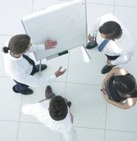 κορυφαία όψη εικόνα υποβάθρου ενός discussin επιχειρησιακών ομάδων Στοκ Εικόνα