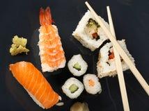 κορυφαία όψη σουσιών γεύμ&a Στοκ εικόνες με δικαίωμα ελεύθερης χρήσης