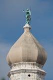 κορυφαίος πύργος εκκλ&et Στοκ φωτογραφία με δικαίωμα ελεύθερης χρήσης