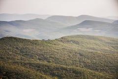 Κορυφογραμμή βουνών της Misty Στοκ φωτογραφίες με δικαίωμα ελεύθερης χρήσης