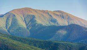 Κορυφογραμμή βουνών Fagaras το απόγευμα στοκ εικόνες