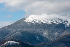 Κορυφογραμμή χειμερινών βουνών πρωινού Στοκ εικόνες με δικαίωμα ελεύθερης χρήσης