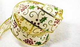 Κορδέλλα Χριστουγέννων της Holly Στοκ φωτογραφίες με δικαίωμα ελεύθερης χρήσης