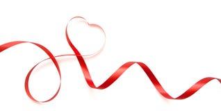 Κορδέλλες που διαμορφώνονται ως καρδιές που απομονώνονται Στοκ εικόνα με δικαίωμα ελεύθερης χρήσης