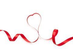 Κορδέλλες που διαμορφώνονται ως καρδιές που απομονώνονται Στοκ Εικόνα