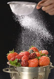 κοσκινίστε τη ζάχαρη Στοκ εικόνα με δικαίωμα ελεύθερης χρήσης