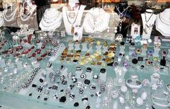 Κοσμήματα Golded σε ένα κατάστημα Στοκ Εικόνες
