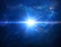 Κοσμικό μπλε φύσημα αστεριών στο μακρινό διάστημα διανυσματική απεικόνιση