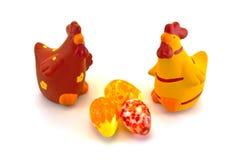 Κοτόπουλα και αυγά Πάσχας Στοκ εικόνες με δικαίωμα ελεύθερης χρήσης
