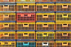 κοτόπουλο κιβωτίων βρώμι&k Στοκ φωτογραφία με δικαίωμα ελεύθερης χρήσης