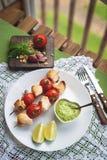 Κοτόπουλο ορεκτικών kebab με τα λαχανικά, τοπ άποψη στοκ φωτογραφία με δικαίωμα ελεύθερης χρήσης