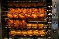 κοτόπουλο που ψήνεται Στοκ φωτογραφίες με δικαίωμα ελεύθερης χρήσης