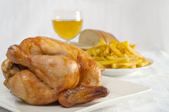 κοτόπουλο που ψήνεται στοκ εικόνα