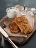 Κοτόπουλο ή χοιρινό κρέας schnitze στοκ φωτογραφία με δικαίωμα ελεύθερης χρήσης