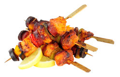 Κοτόπουλο και πικάντικο Chorizo Kebabs Στοκ φωτογραφία με δικαίωμα ελεύθερης χρήσης