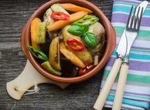 Κοτόπουλο με τα λαχανικά μωρών Στοκ εικόνα με δικαίωμα ελεύθερης χρήσης