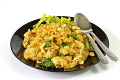 Κοτόπουλο με τα νουντλς και τα λαχανικά ρυζιού Στοκ εικόνα με δικαίωμα ελεύθερης χρήσης