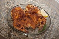 κοτόπουλο που τηγανίζεται Καπνός κοτόπουλου ή tapaka κοτόπουλου Της Γεωργίας cuisi Στοκ Εικόνα