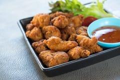 κοτόπουλο που τηγανίζεται Στοκ εικόνα με δικαίωμα ελεύθερης χρήσης