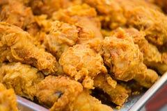 κοτόπουλο που τηγανίζε& Στοκ Φωτογραφίες