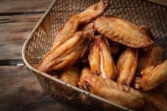 κοτόπουλο που τσιγαρίζ& Στοκ φωτογραφίες με δικαίωμα ελεύθερης χρήσης