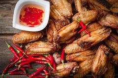 κοτόπουλο που τσιγαρίζ& Στοκ Εικόνες