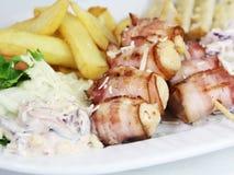 Κοτόπουλο ραβδιών με το μπέϊκον Στοκ Εικόνα