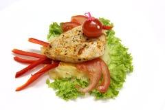 κοτόπουλο στηθών που ψήνεται στη σχάρα Στοκ εικόνα με δικαίωμα ελεύθερης χρήσης