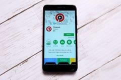 ΚΟΥΆΛΑ ΛΟΥΜΠΟΎΡ, ΜΑΛΑΙΣΙΑ - 28 ΙΑΝΟΥΑΡΊΟΥ 2018: App Pinterest επίδειξη στο αρρενωπό κατάστημα παιχνιδιού Pinterest που ιδρύεται α Στοκ φωτογραφία με δικαίωμα ελεύθερης χρήσης