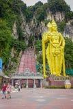 Κουάλα Λουμπούρ, Μαλαισία - 9 Μαρτίου 2017: Τα σκαλοπάτια σε Batu ανασκάπτουν, ένας λόφος ασβεστόλιθων με τις μεγάλους και μικρού Στοκ Εικόνα