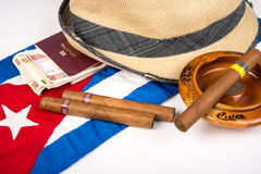 Κουβανικά πούρο και καπέλο Στοκ Εικόνα
